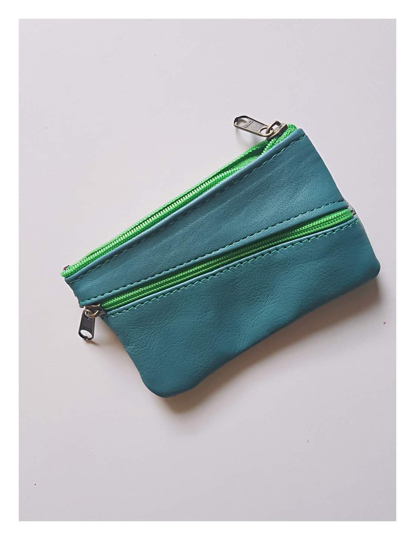 Bőr pénztárca zöldes színben (kis méret)